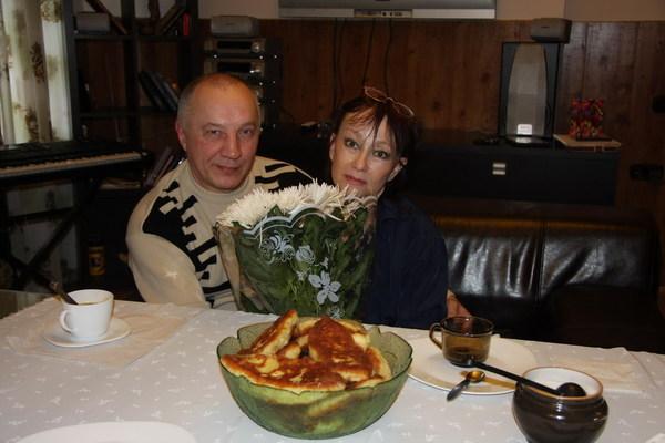 В. С. Окунев и Кира Хабарова