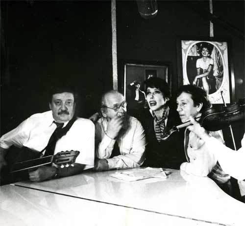 """На съёмках фильма """"Постой, паровоз"""", 1994 год. Н. С. Резанов, А. И. Федин, Т. И. Кабанова, С. И. Маклаков."""
