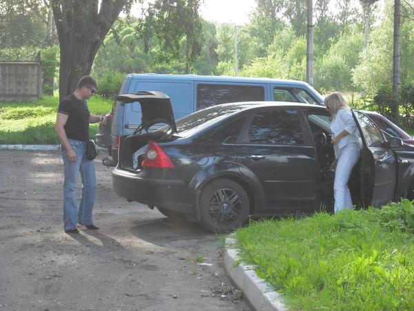 приехал Павел Ростов с женой Мариной