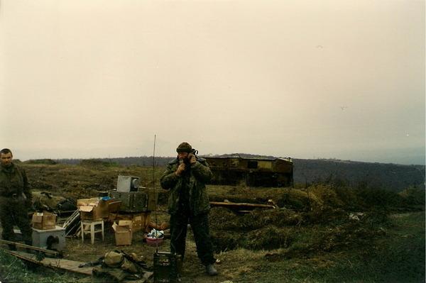 В горах под Гудермесом, 1999 г.