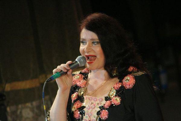 солистка ансамбля - Идея Железовская