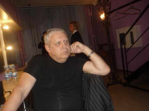 Геннадий Викторович думает