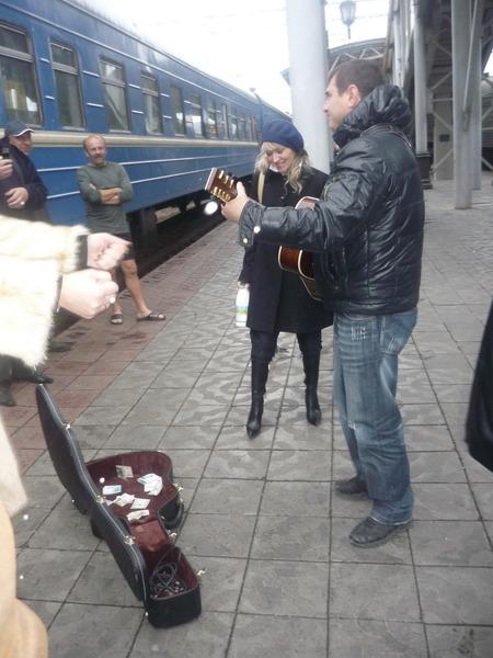 Непроста и неказиста жизнь российского артиста