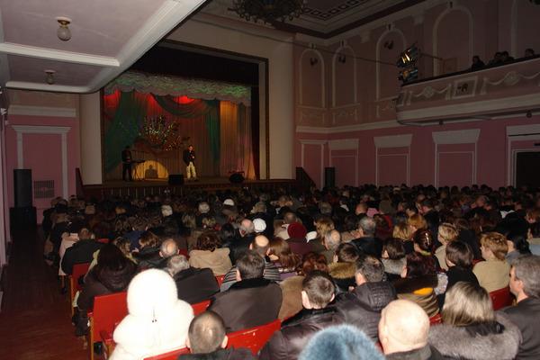 Алексей КНЯЗЕВ на сцене дворца ЗВЕЗДНЫЙ - г.Конотоп