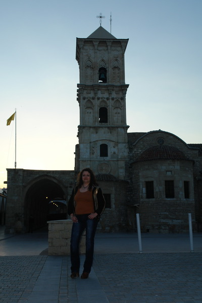 У Храма Святого Лазаря