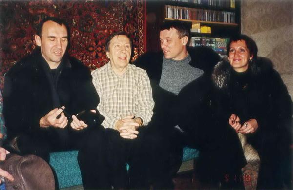 И. Южный, С. И. Маклаков, А. Дюмин, С. Питерская - дома у Маклаковых