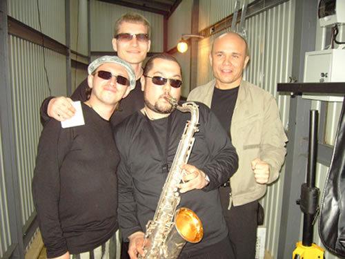 Александр Кузнецов, Денис Кораблёв (Мафик) со своей группой