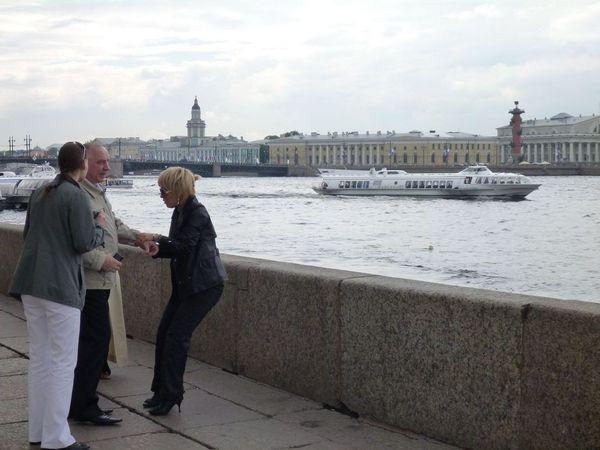 на Дворцовой набережной