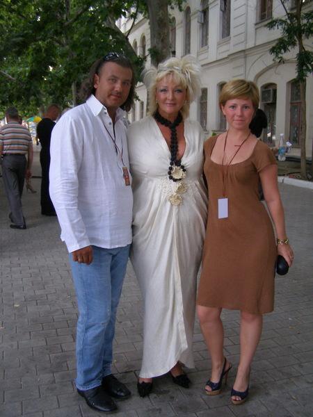 В. Казначеев, Е. Палашек и М. Томбасова