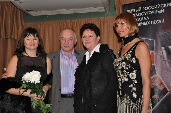 Оля Вольная, В. Окунев, Нина Караева, Светлана Фед - С. Петербург 23.10.2010 г.