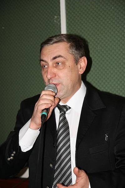 """Паша юдин: """"Господа конкурсанты! Учитесь держать микрофон!!!"""""""