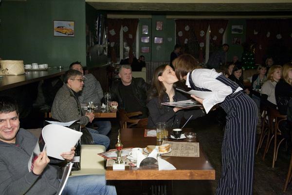 подарок от Светланы всем членам жюри - именной календарь на 2011 год