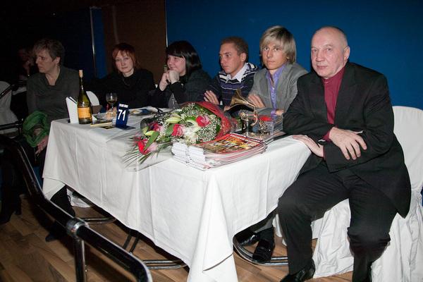 Владимир Окунев, Сергей Погожев, Артём Шарлай, Ирина Окунева (системный администратор Музея шансона) и их гости