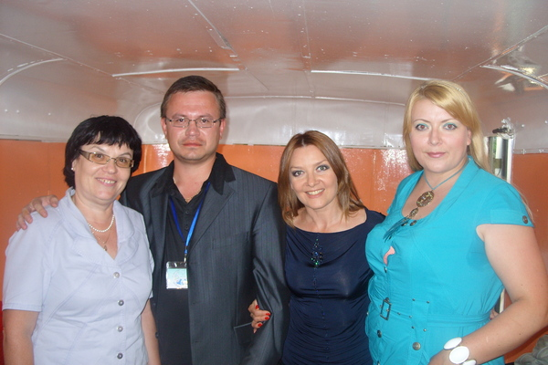 Ольга Медведева(сестра М.Круга), Николай Орловский, Таня Дяченко и Маша Абрикосова