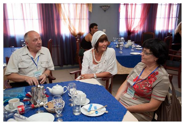 В. С. Окунев, Светлана Фед и Ольга Медведева
