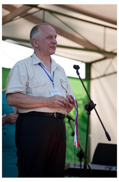 Председатель жюри фестиваля, владелец Музея шансона Владимир Степанович Окунев