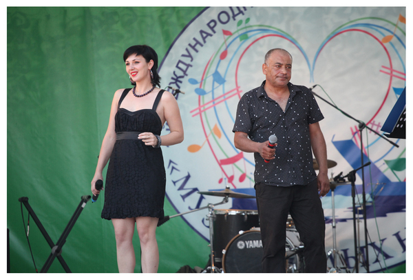 Юлия Одна и Степан Арутюнян - г. Оренбург