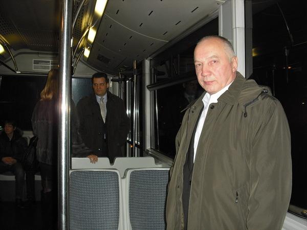 в автобусе по дороге к самолёту