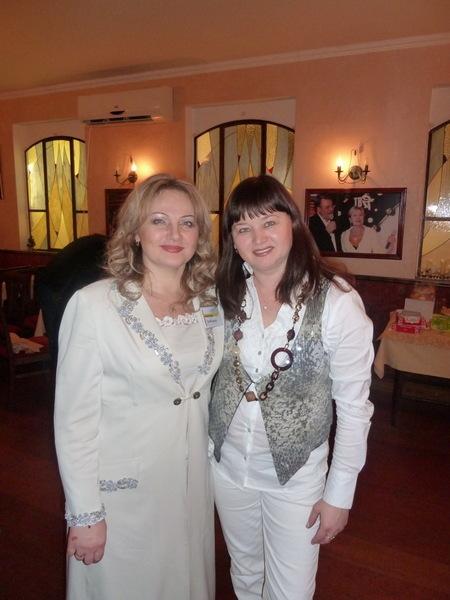 Ирина и Оля Вольная