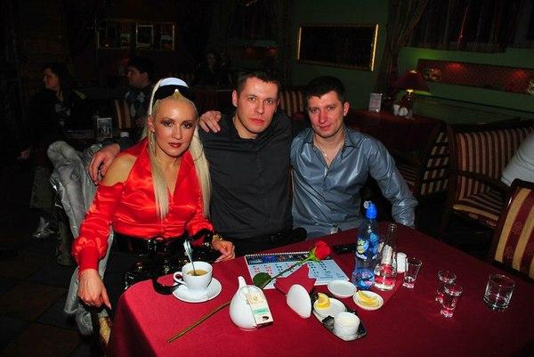 Виталий Волк с супругой и Дмитрий Подколзин