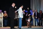 диплом лауреата конкурса Алексею Созонову (г. Самара) вручает Наталья Верещагина (Москва)