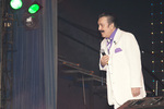 на сцене Гигант-холла в праздничном гала-концерта легенда жанра - Вилли Токарев