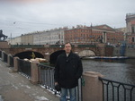 в Санкт-Петербурге у Аничкова моста
