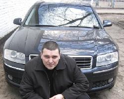 Александр Звинцов и его Ауди А8