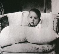 Фото 1. Юл Бриннер в детстве