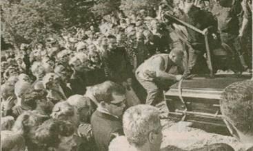 Тысячи людей провожали в последний путь Михаила Круга