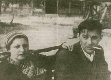 Леонид Утесов с женой Еленой на даче во Внукове