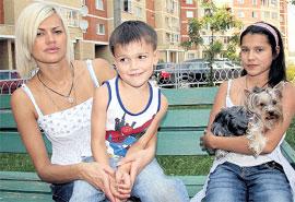 ИРИНА: с сыном от Круга — Сашей и своей дочерью от первого брака — Мариной